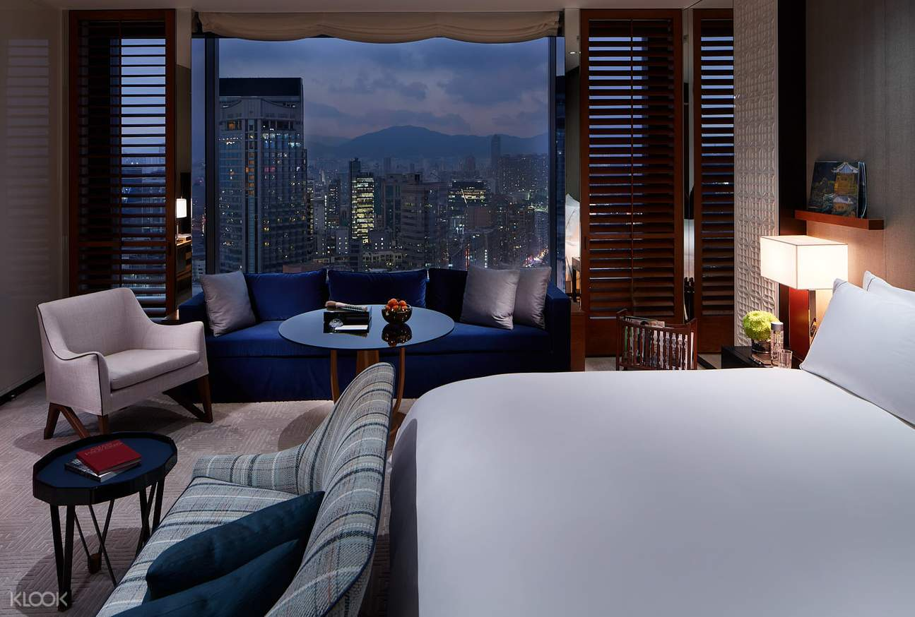 enjoy the city view from the king room